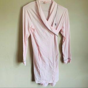 Victoria's Secret size Large Light pink robe